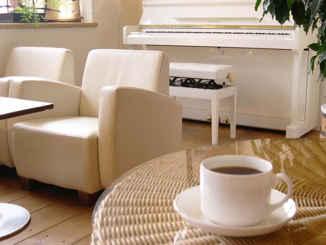 カフェとピアノ