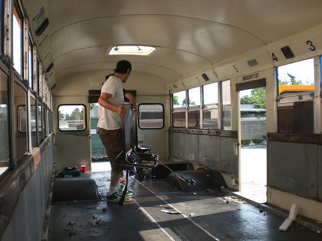 バスに住みたい