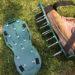 ガーデンスパイクで芝生のエアレーション